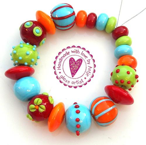 Perles au chalumeau, création par Antje Beurtheret, perlière d'art